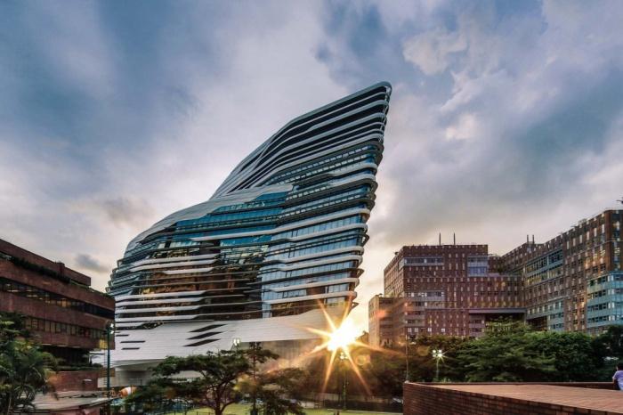 Политехнический университет в Гонконге, Китай
