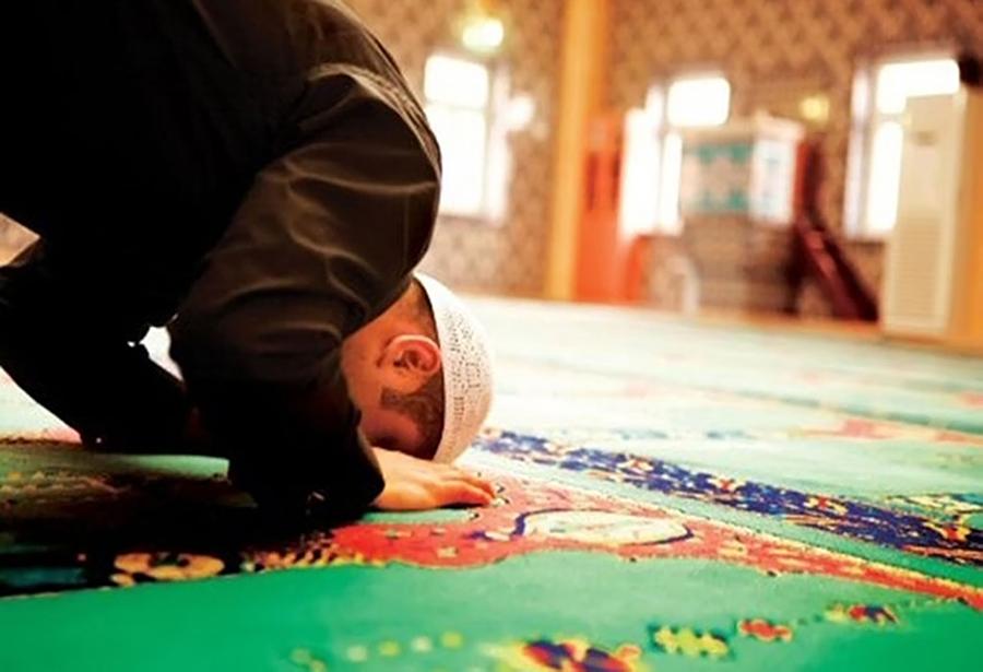 Дозволена ли молитва с закрытыми глазами?