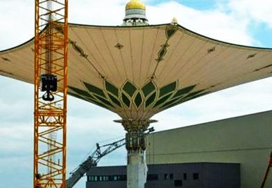 Гигантские зонты будут укрывать паломников в Масджид аль‑Харам