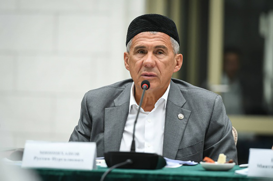 Президент Татарстана поздравил мусульман с праздником Ураза-байрам