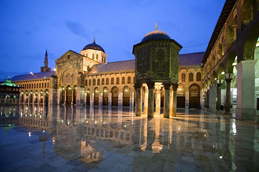 Любимец Пророка (мир ему и благословение) Хусейн (да будет доволен им Аллах). Часть I